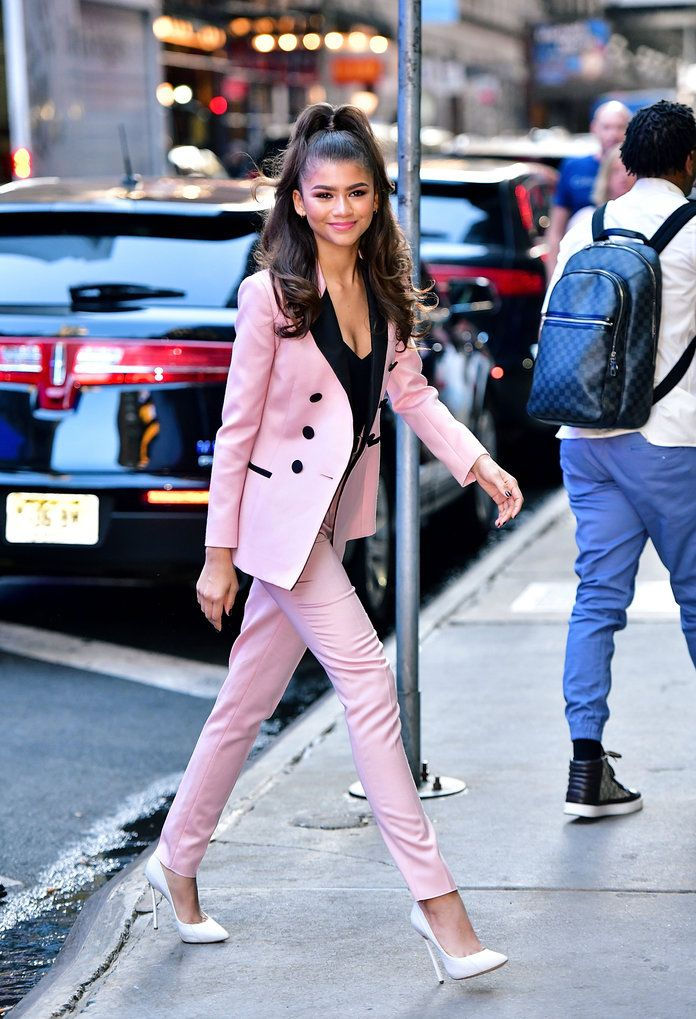 9f43931e8d077 Zendaya Looks So Pretty in Pink Thanks to Her Chic Pastel Suit ...