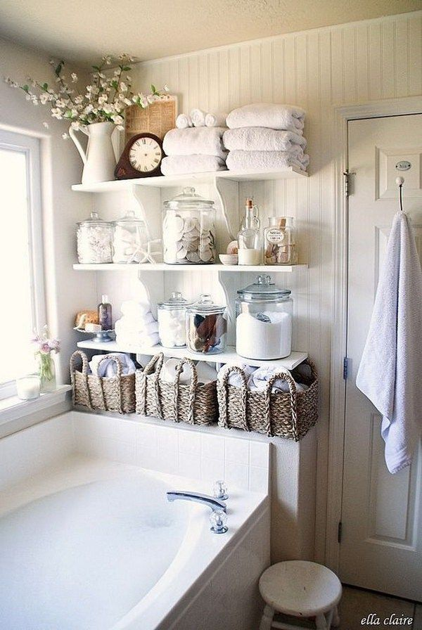 Merveilleux Shabby Chic Bathroom Open Floating Shelves For Storage.