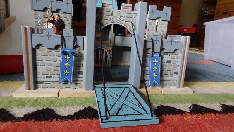 Ritterburg Holz von JakoO Firma Edix / Le Toy Van in