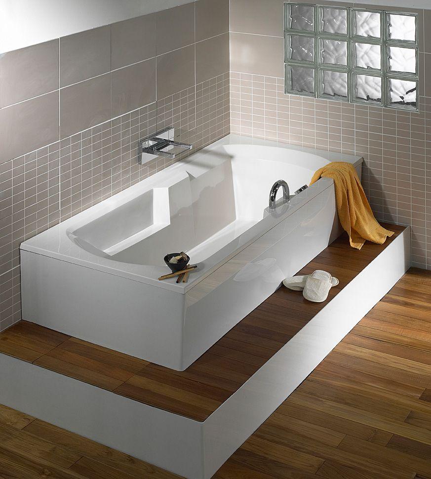 baignoire condor avec un habillage en bois de teck et avec un tablier minimaliste sur mesure. Black Bedroom Furniture Sets. Home Design Ideas