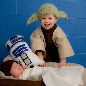 Big Brother Yoda And Baby Leia