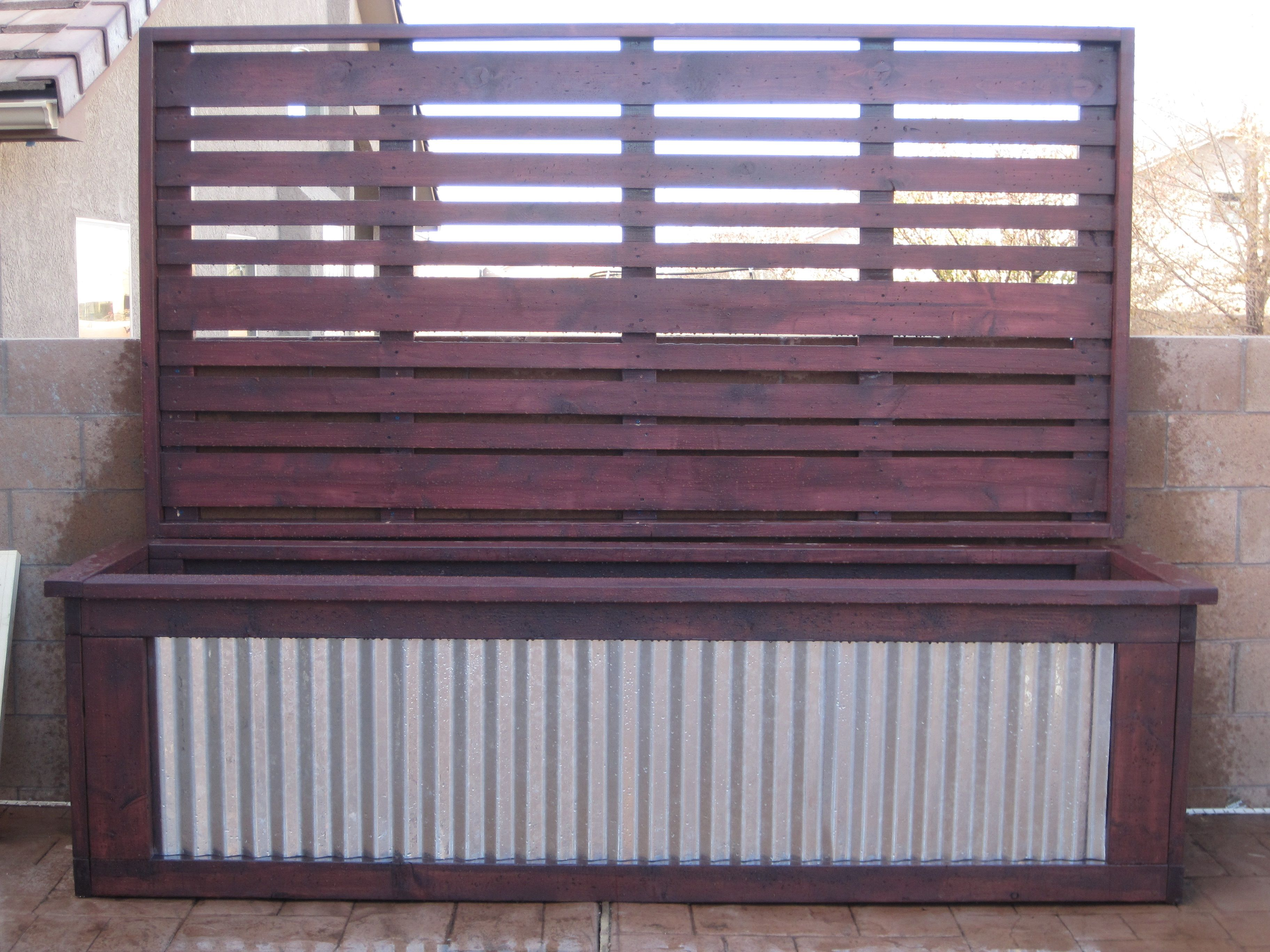 Planter box and matching privacy screen can 39 t wait to for Outdoor privacy screen planter