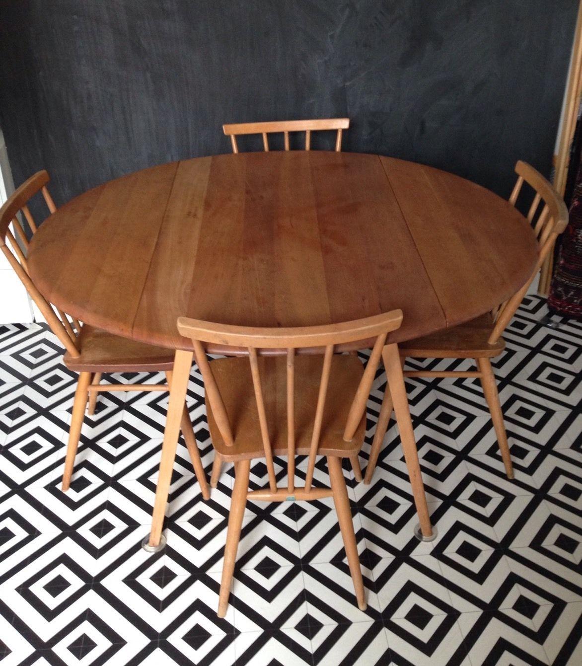 Phenomenal Ercol Blonde Round Drop Leaf Dining Table 384 2 Windsor Download Free Architecture Designs Salvmadebymaigaardcom