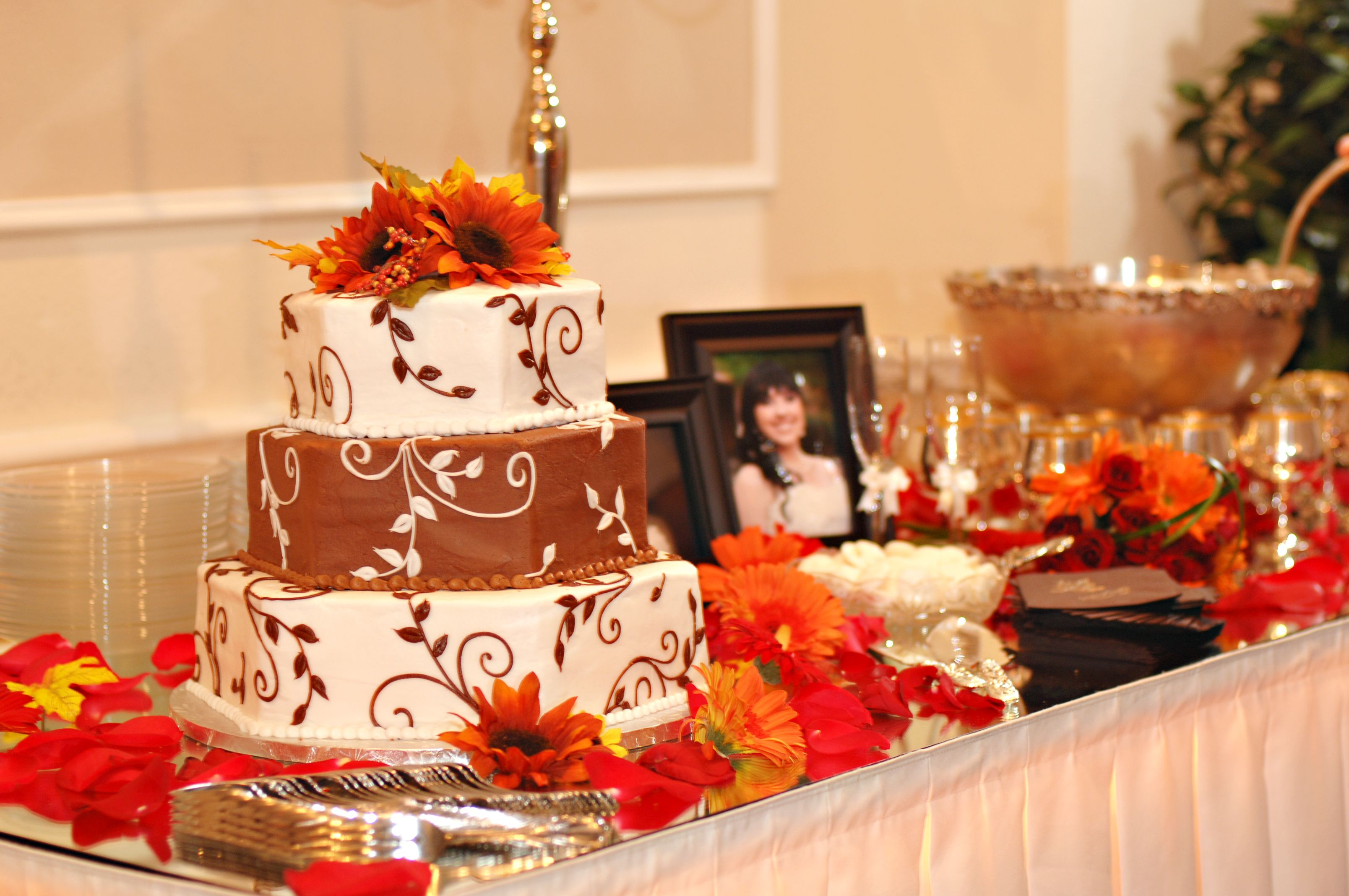Bridal Cake And Punch Table With Images Punch Table Cake