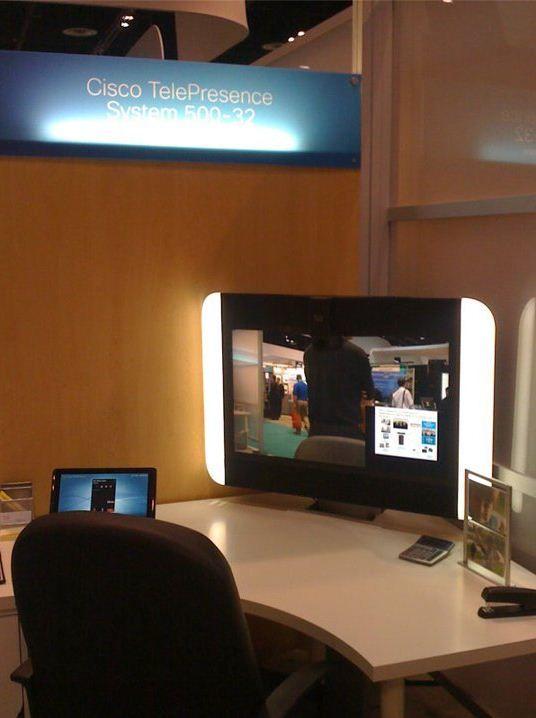 Cisco TelePresence System 500-32 | Cisco, Flatscreen tv ...