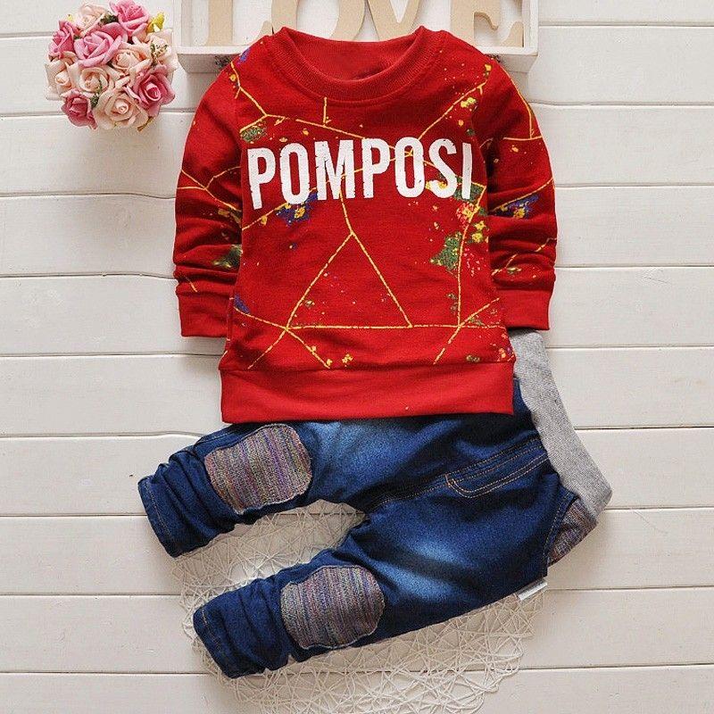 Buzo rojo y pantalón sport
