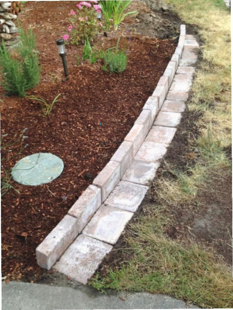 Der Garten G Der Gart Gartenumrandungsideen Habe Ich Innovativsten L In 2020 Garden Landscaping Diy Landscaping With Rocks Rock Garden Landscaping