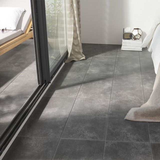 Carrelage sol gris anthracite 30 x 60 cm tribeca for Carrelage pour garage castorama