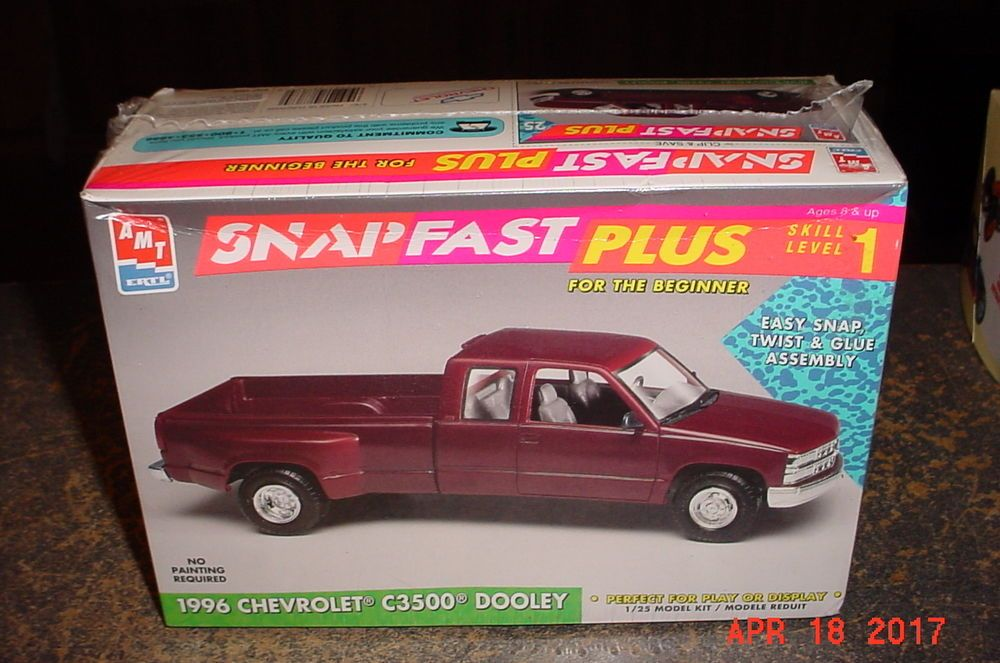 AMT 1996 Chevrolet C3500 Dually Pickup 1/25th Model Kit 8767