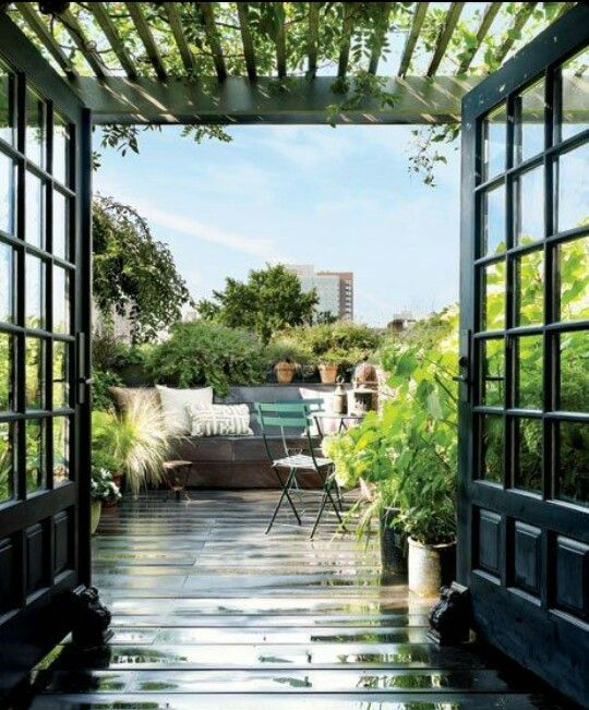 Rooftop Garden With Sunshade Room