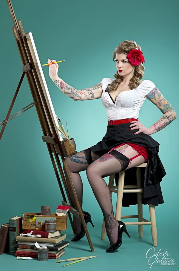 Tatouage pin up érotique