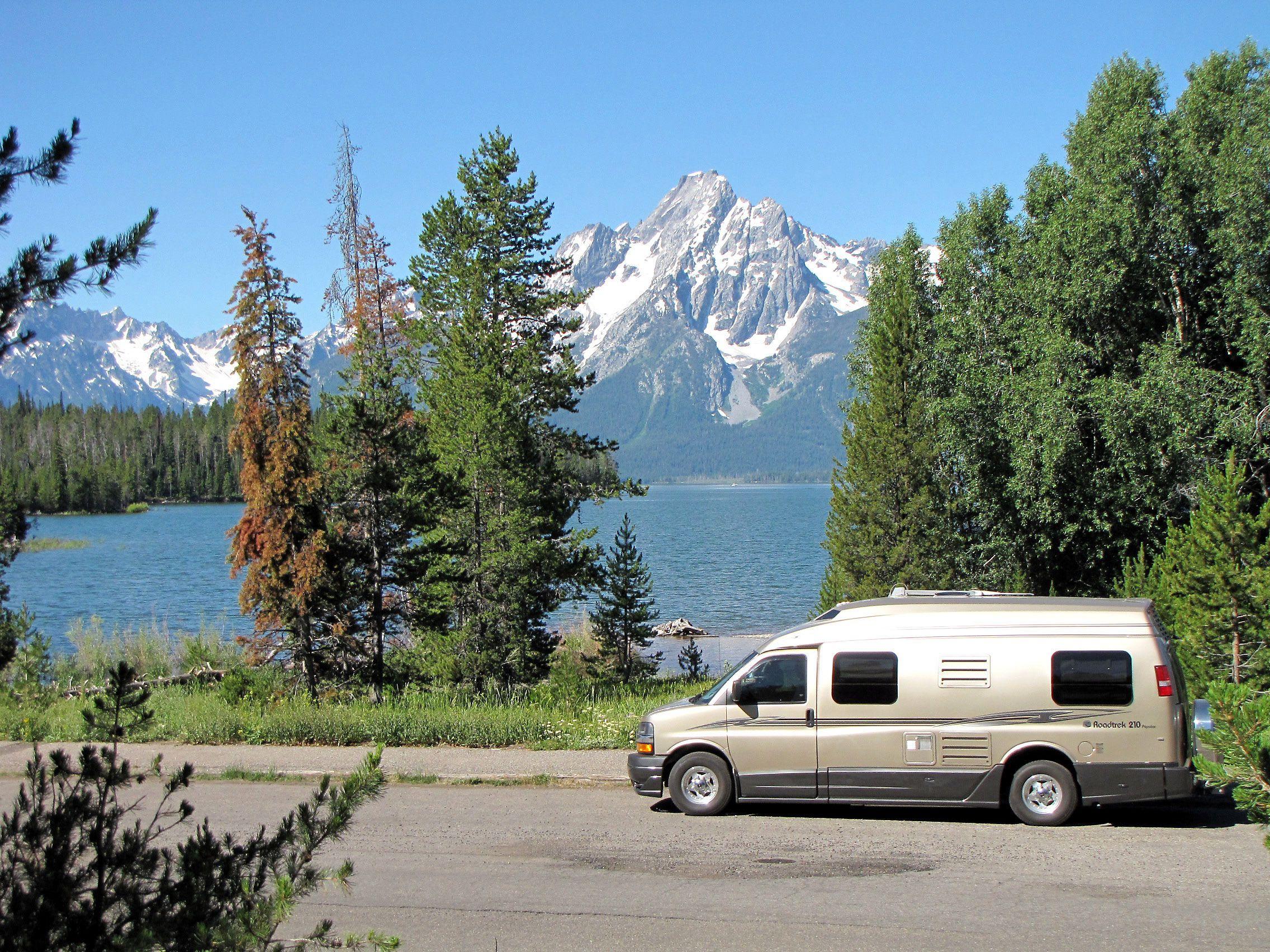 Roadtrek_210-Popular_class_B_motorhome-camper_van-by_Burch | Roadtrek, The  great outdoors, Camping glampingPinterest