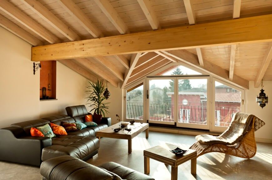 Hier Unterstützen Die Leichteren Kiefer Balken Das Gewölbte Dach ... Wohnzimmer Ideen Dachgeschoss