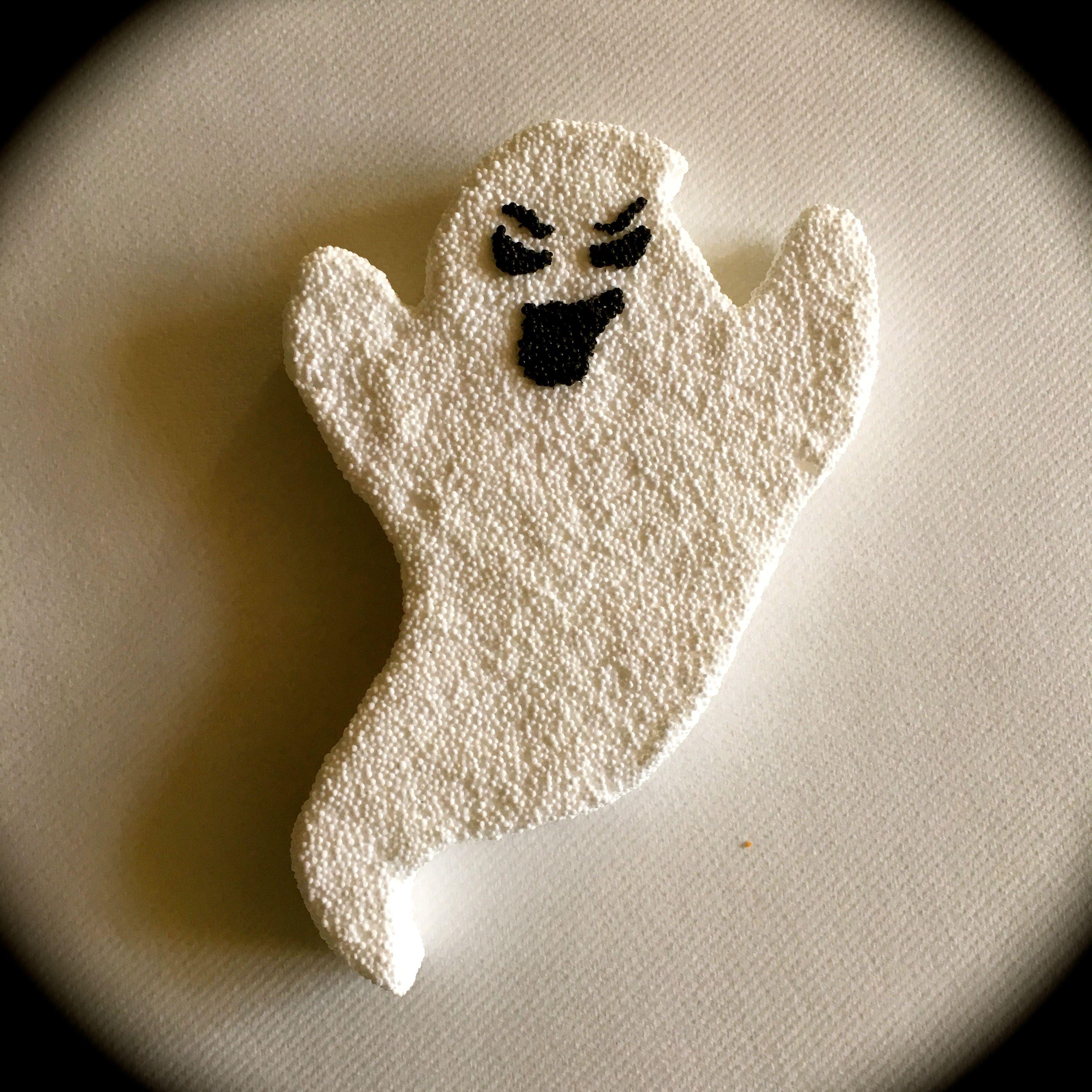 Isomooi basisfiguurtje spook bekleed met foam clay !