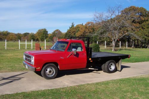 Dodge 1 Ton Flatbed 1980 Dodge Custom 300 Pickup Truck Red 1 Ton Dually Flat Bed Us Pickup Trucks Trucks Flat Bed