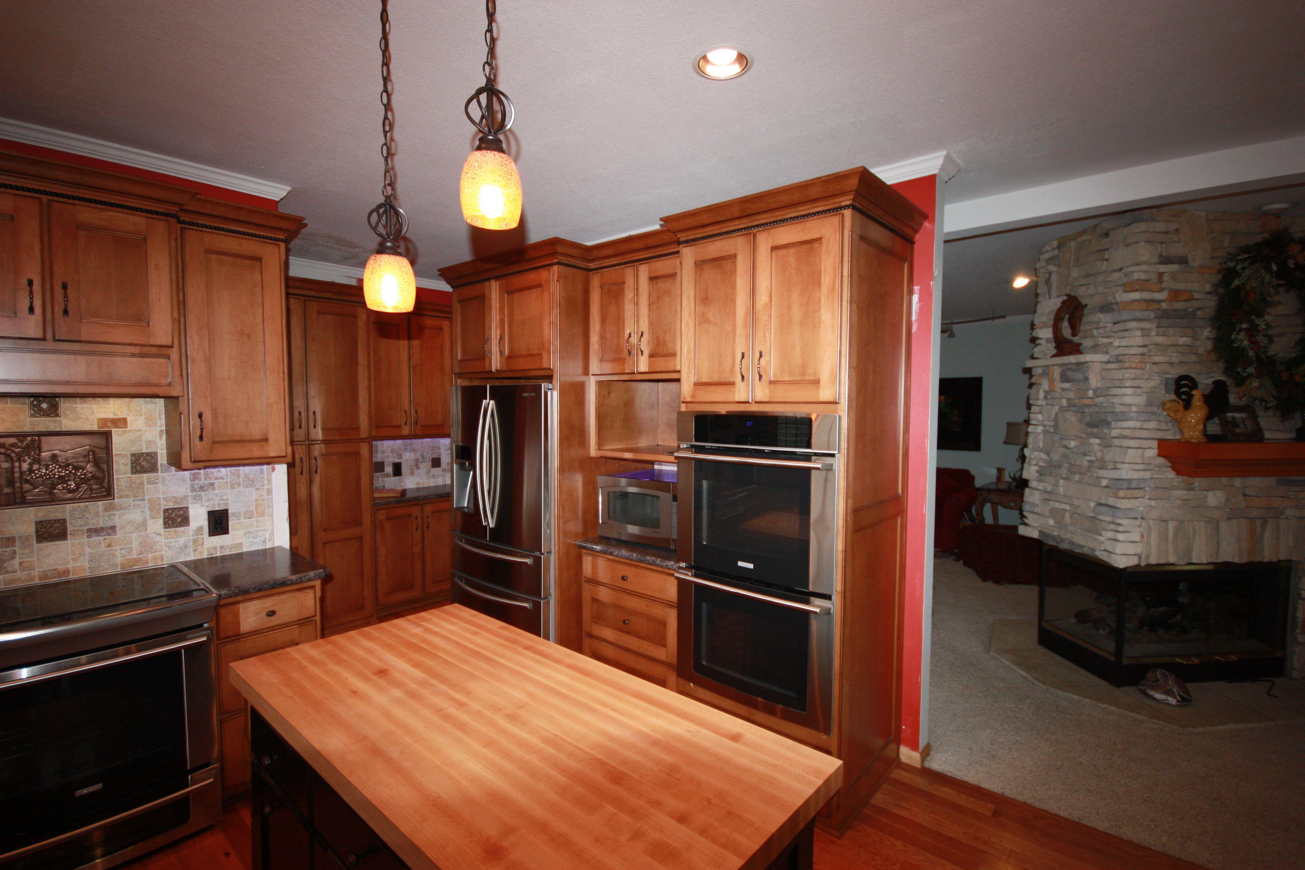 Maple Kitchen - Perimeter Cabinets have Dark Mahogany ...