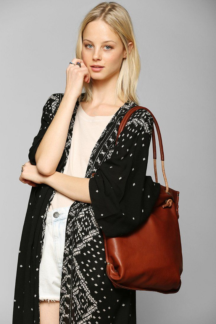 dean. B36 Knotted Handle Leather Tote Bag