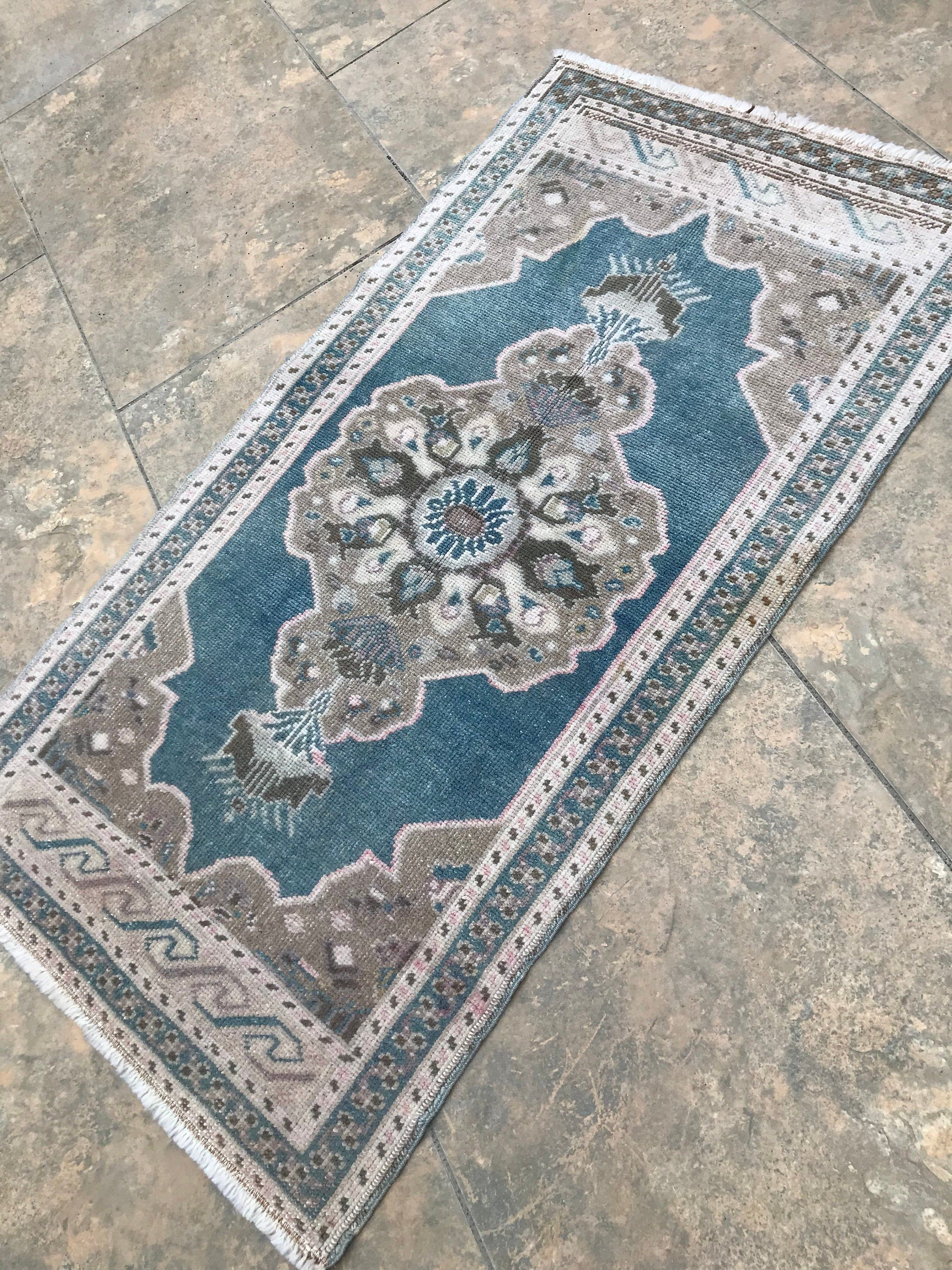 Very Primitive Small Rug Vintage Small Rug Distressed Low Pile Small Antique Rug Rustic No