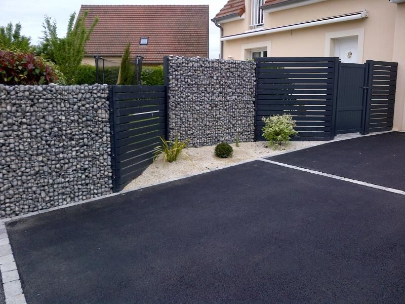 cloture gabion avec alternance des palissades en bois autre vue par rapport une autre pingle. Black Bedroom Furniture Sets. Home Design Ideas