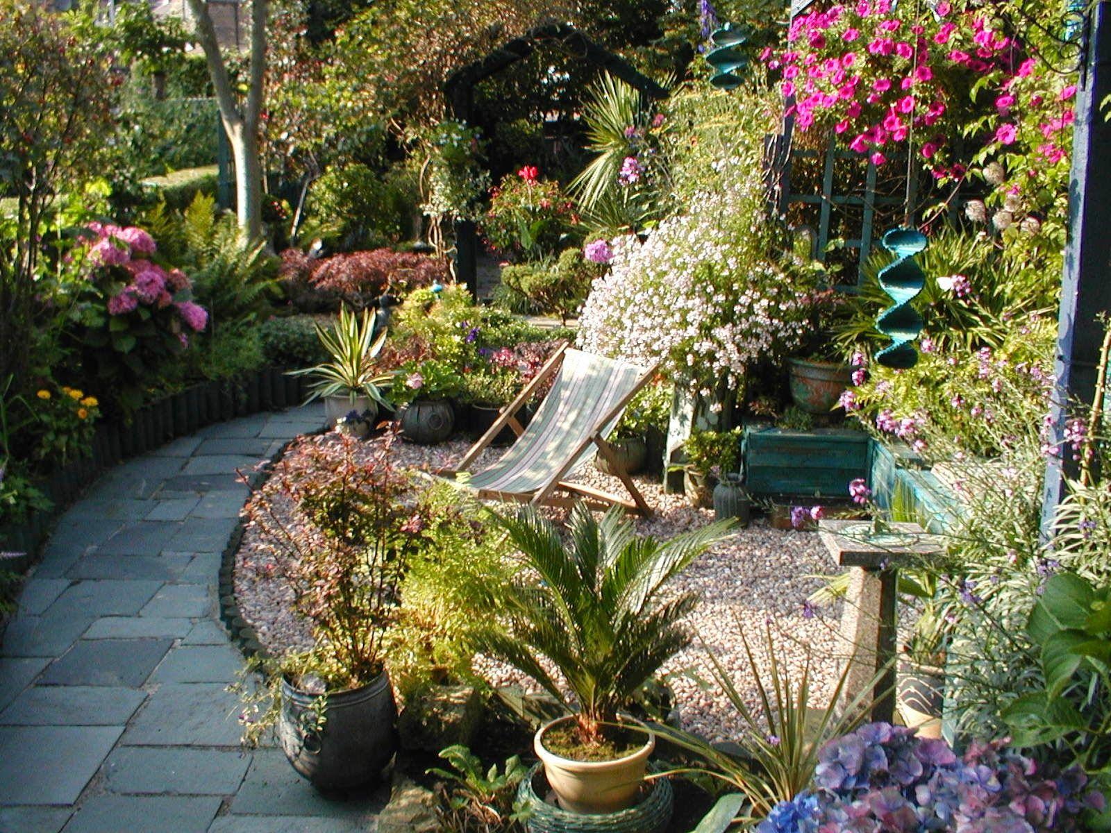 Narrow garden design google search alex 39 s garden for Garden design ideas long thin