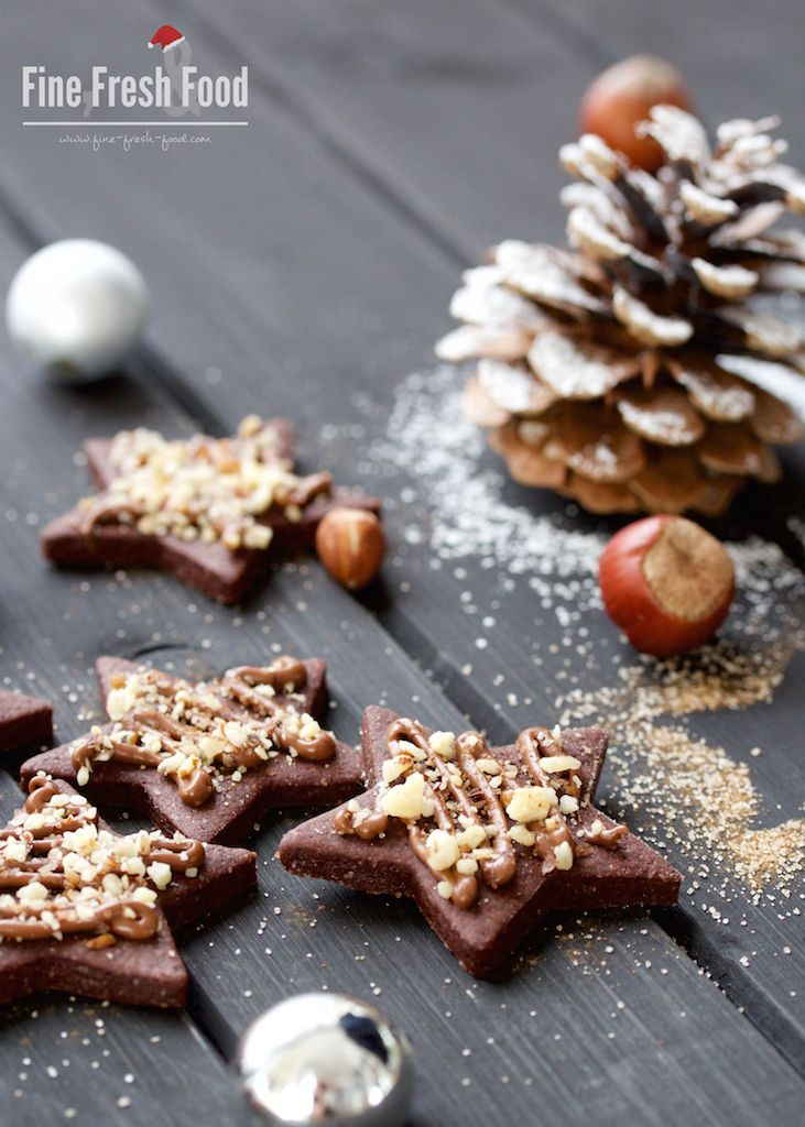 Diese Nuss-Nougat-Sterne sehen besonders lecker und weihnachtlich aus!