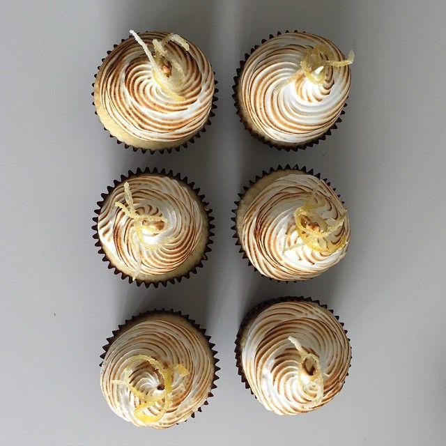 Lemon meringue cupcakes from @xannybakes