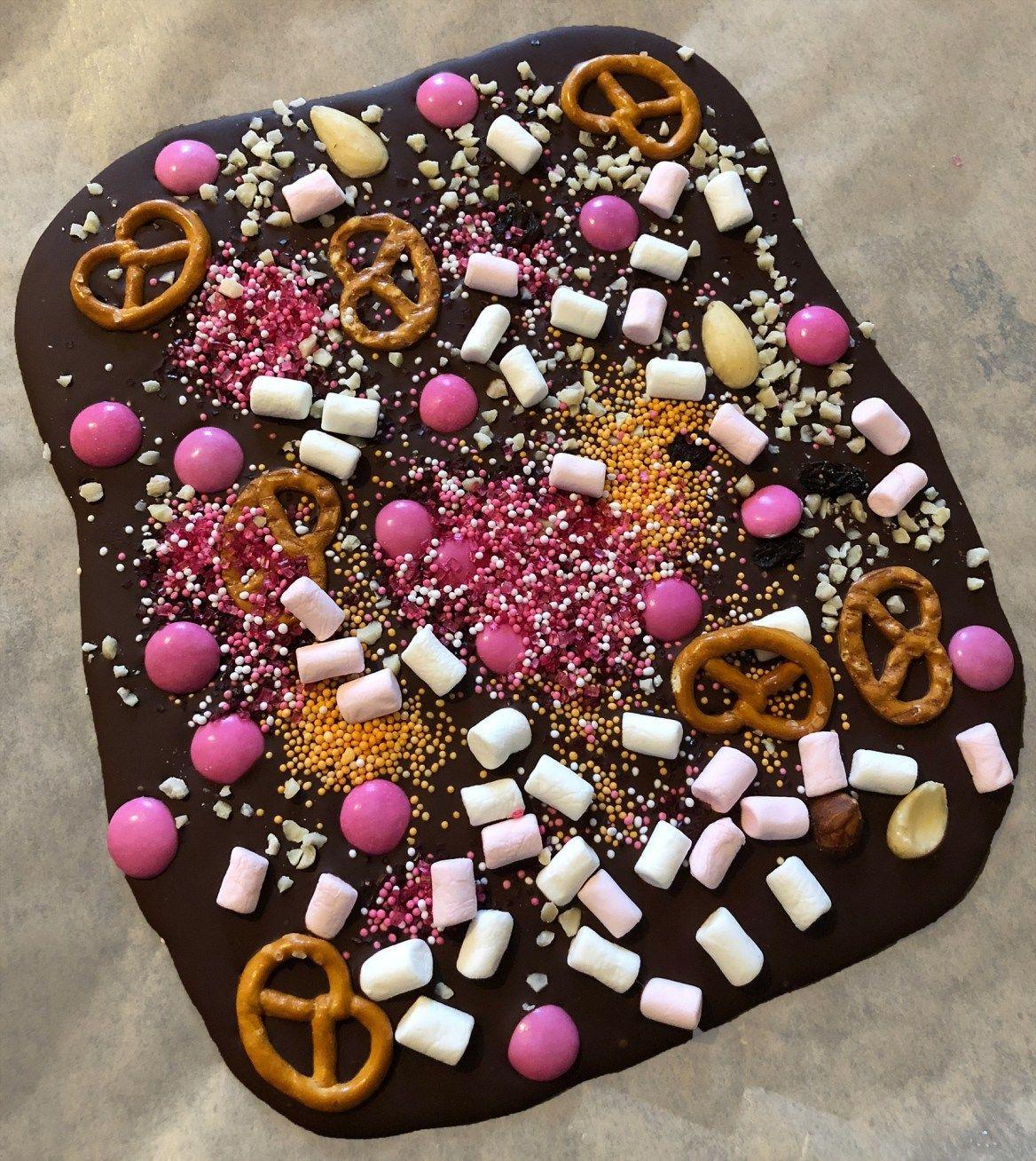 Bruch-Schokolade selber machen - Süße Geschenkidee zu Weihnachten