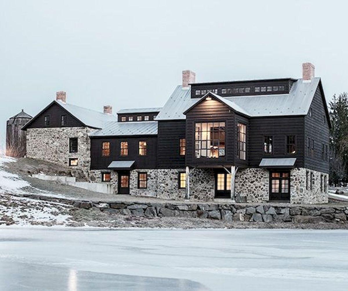 70 Stunning Farmhouse Exterior Design Ideas 47