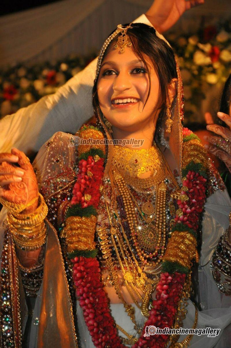 Marriage ornaments - Kerala Muslim Wedding Photos