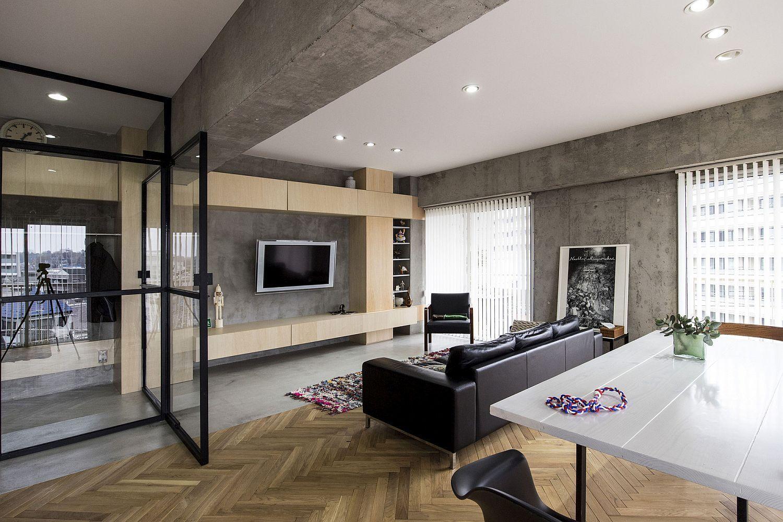 Revolving Door Glass Walls And Diverse Textures Revamped Condo In Tokyo Tokyo Apartment Loft Interiors Concrete Interiors
