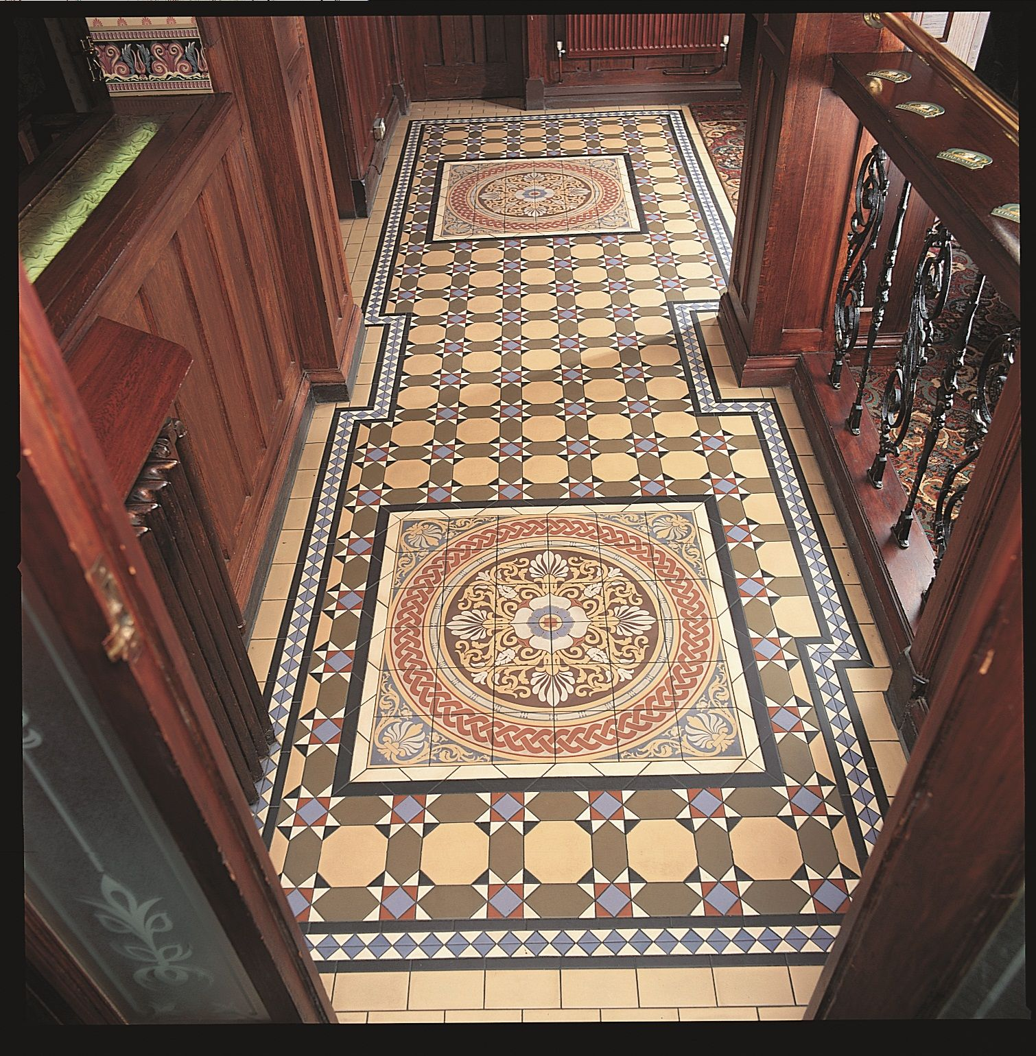 Victorian Floor Tiles Here The Inverlochy Pattern Incorporates The Palmerston Tile Set Made