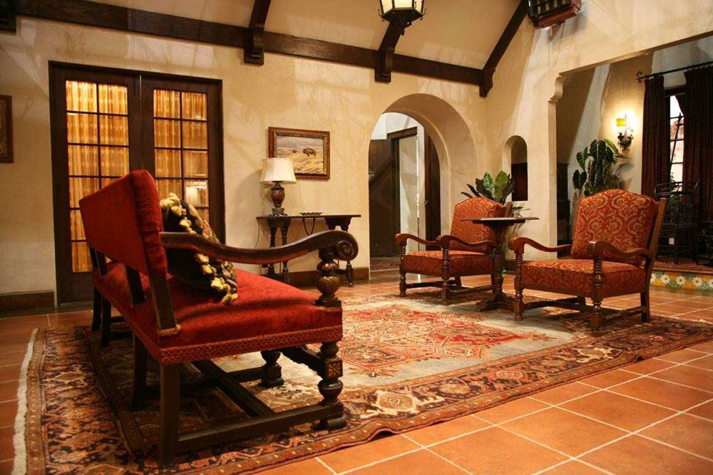 Spanish interior design ideas and elements spanish for Spanish style interior design