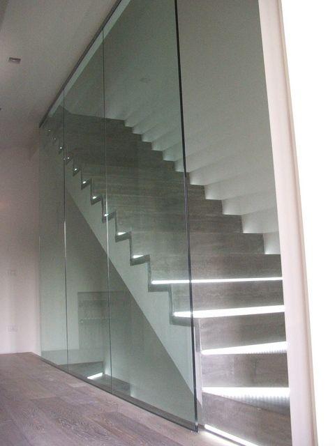 Scala vetro bianco cerca con google vani scale stairs architecture e home decor - Corrimano in vetro per scale ...