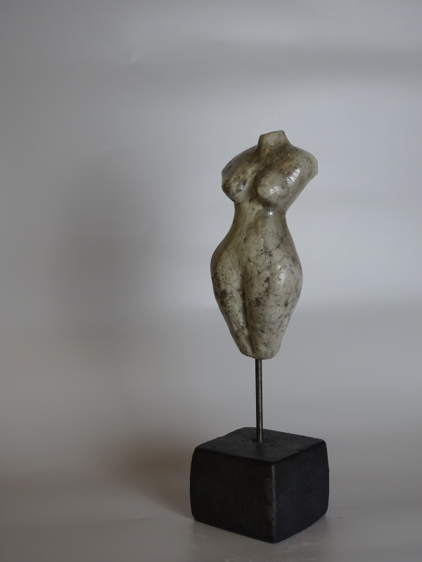 esme skulptur von michael braunig tonskulptur skulpturen raku keramik abstrakte bilder malen acryl abstraktes gesicht