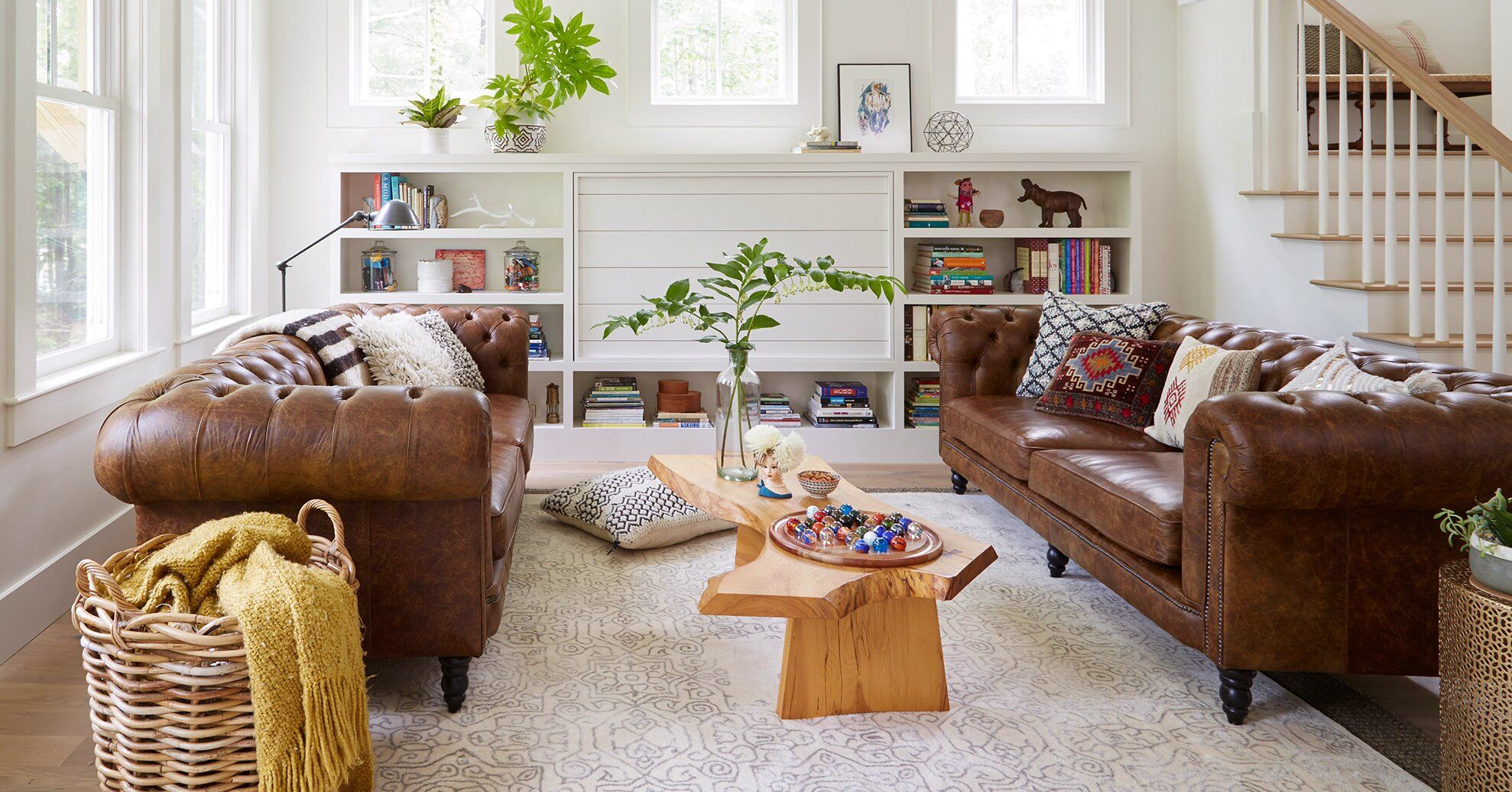 17 Stunning Ways To Decorate With A Brown Sofa In 2020 B
