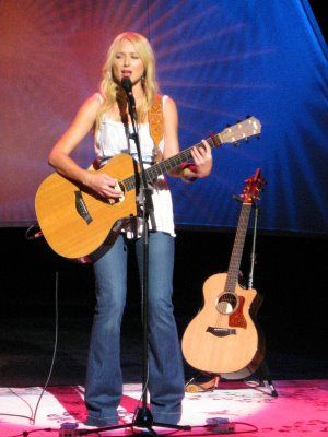 Jewel - My First Concert, Saw her in Anchorage, AK 1998