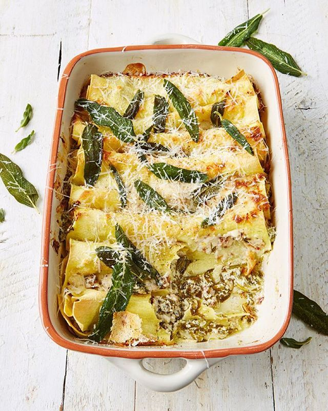 guys Recipe of the day today Baked cannelloni, gorgeous three-cheese filling, this golden, bubbling veggie cannelloni is a real treat. Baked with spinach, walnuts and crispy sage. done in 40mins for a great veggie dinner tonight!! Recipe over on jamieoliver.com #meatfreemonday