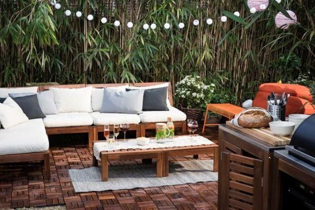 Stilvolle Ikea ÄPPLARÖ Gartenmöbel mit modernen Kissen und ...