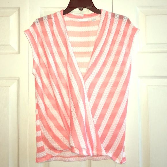 Coral n white striped light summer sweater  Would be so cute with white pants or short! NWOT, marked size Small but I think it could also fit a Medium. New York & Company Tops