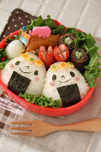 Onigiri lunchbox  http://www.roomflavor.com/room.php?5867