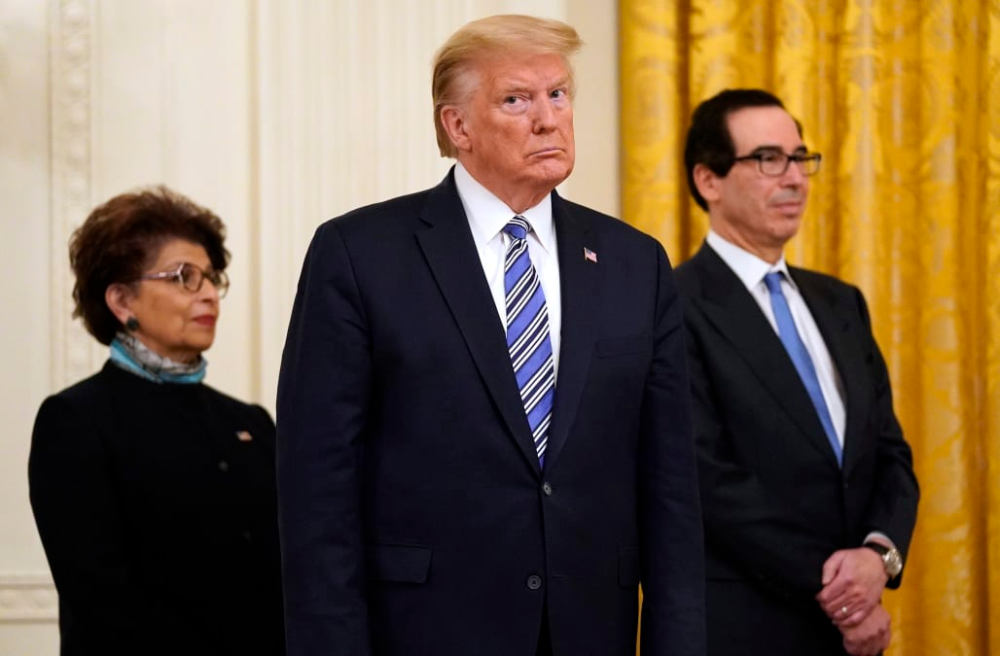 Trump orders meat processing plants to remain open in 2020