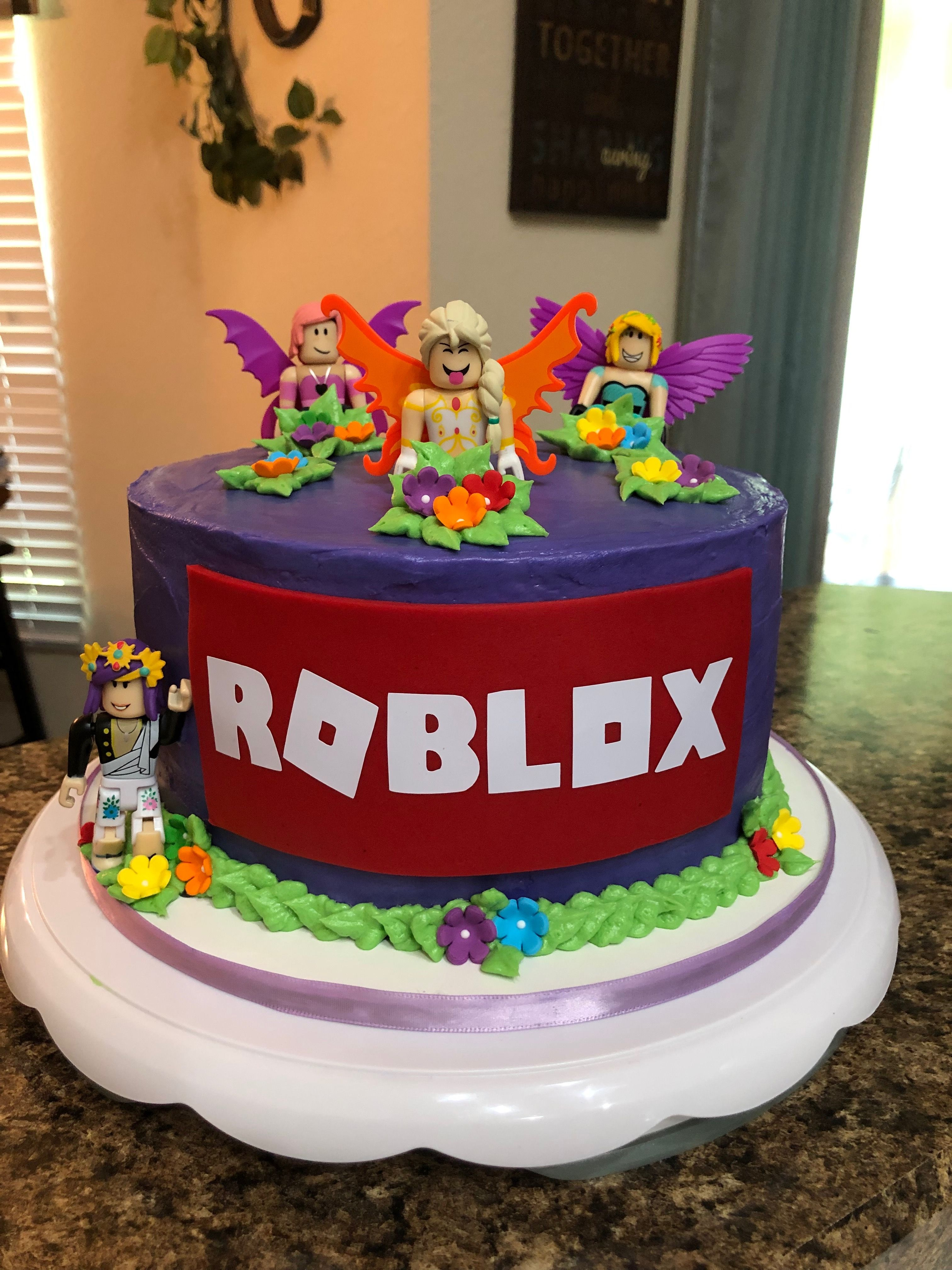 Girls Roblox Cake With Images Roblox Birthday Cake