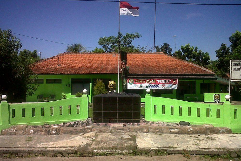 Markas Koramil 2020/ Gegesik Jalan Sadewa, Kecamatan