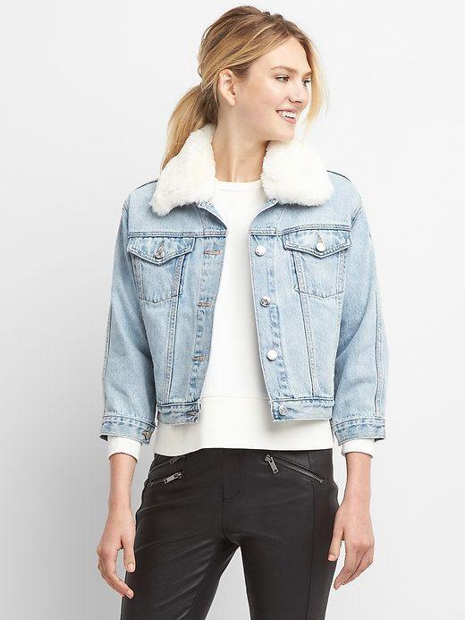 dfbb472197f4 Gap Womens Faux-Fur Collar Denim Jacket Light Indigo Golas De Pele