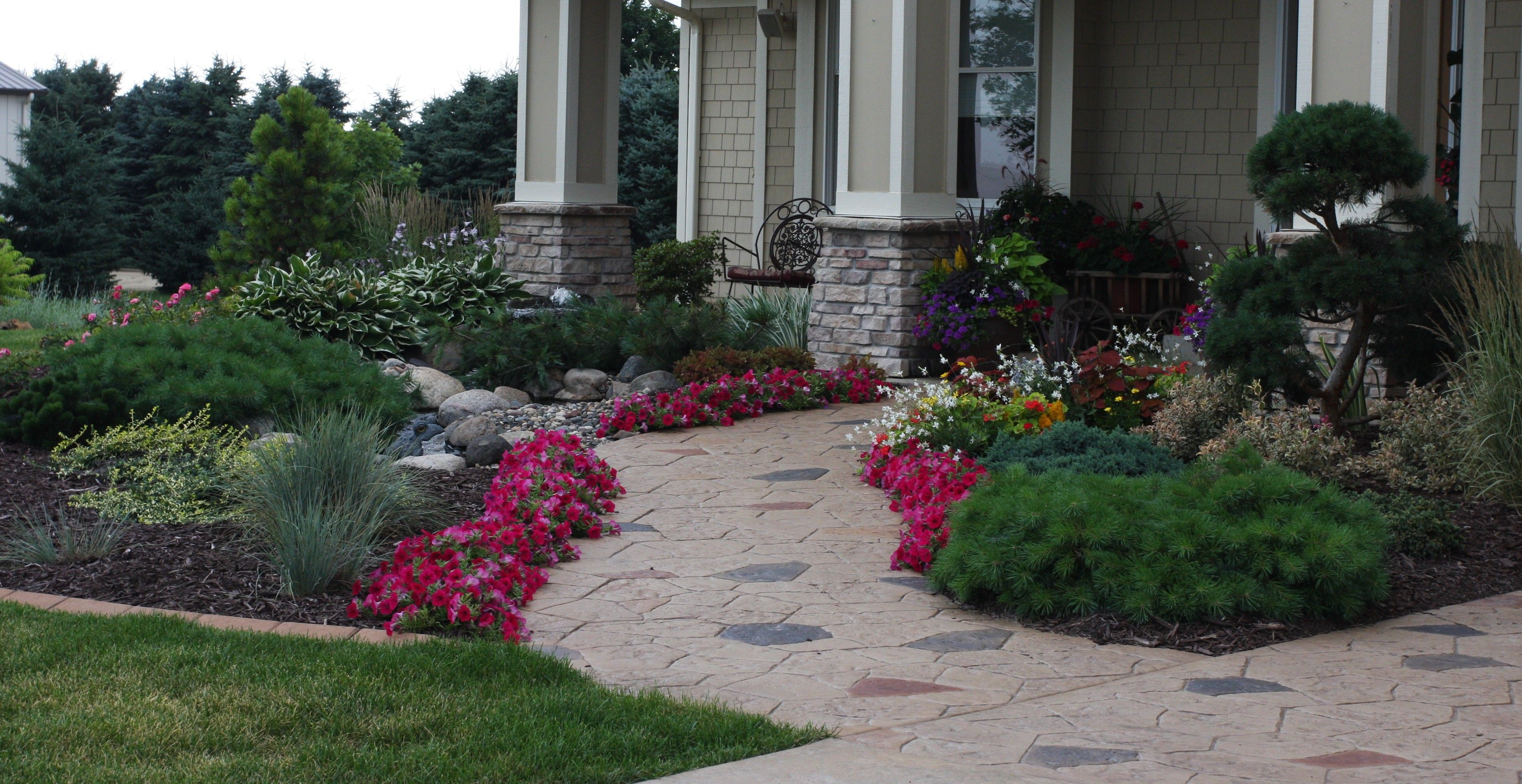 Landscaping front entrance design ideas landscape for Front garden landscaping