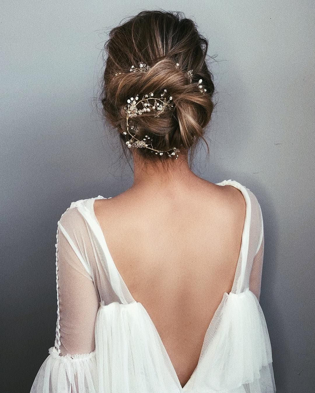87 Fabulous Wedding Hairstyles For Every Wedding Dress Neckline Bride Hairstyles Hair Styles Dress Hairstyles