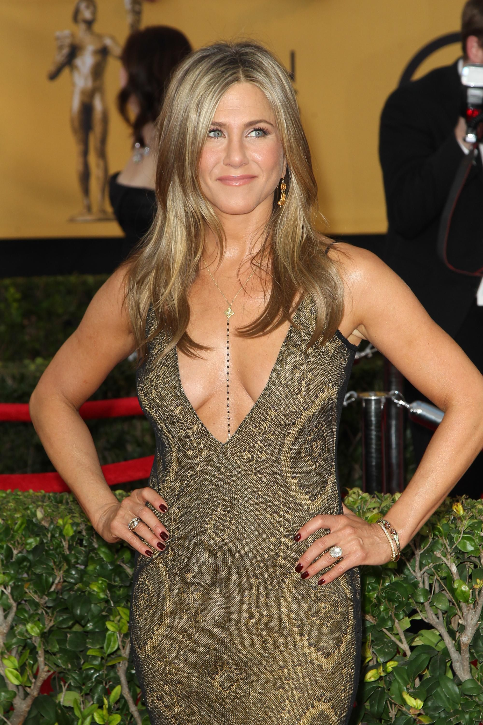 jennifer aniston sexy neck