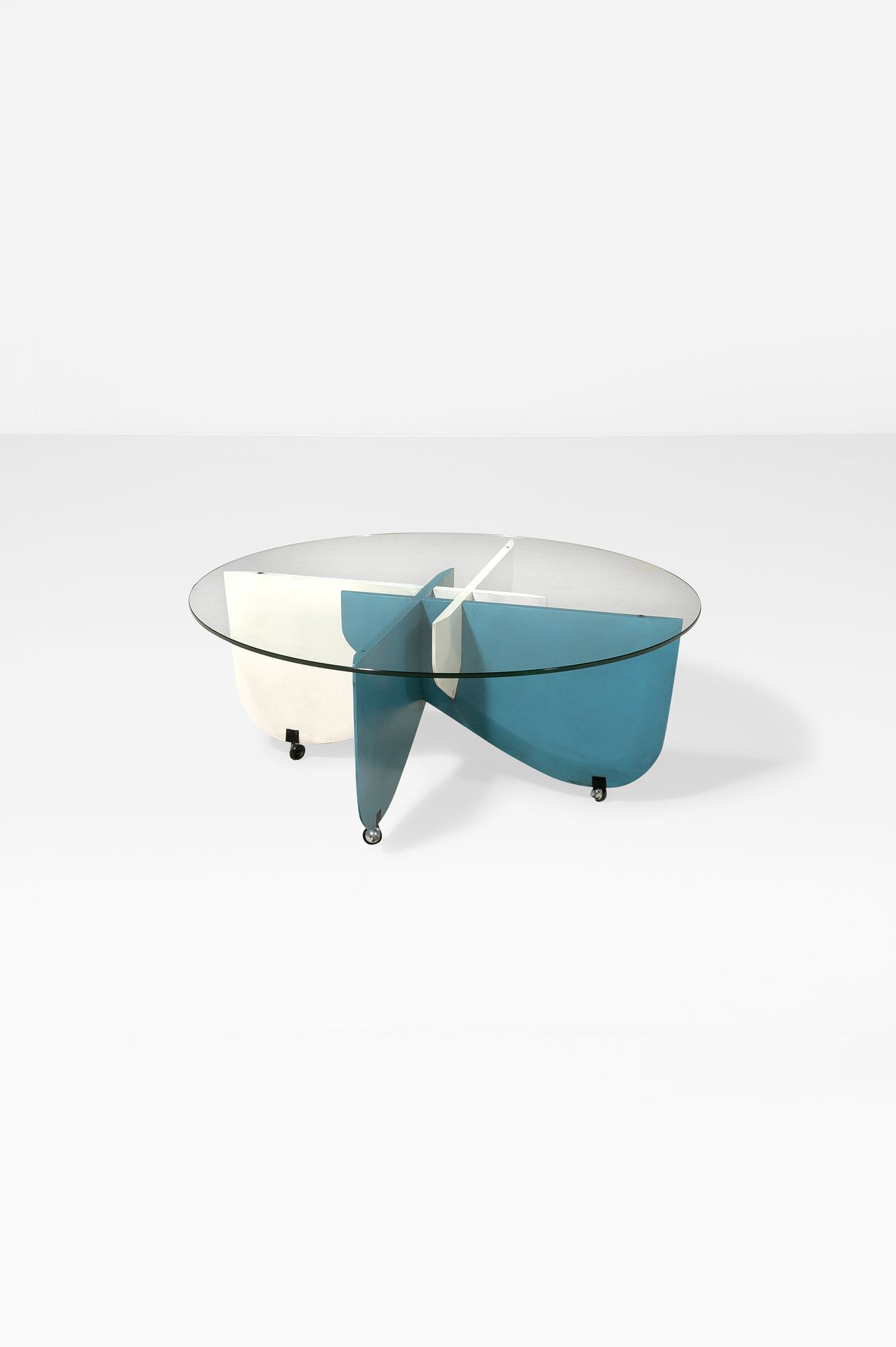 Gio Ponti; Lacquered Wood and Glass 'Apta' Coffee Table for Walter Ponti, 1970.