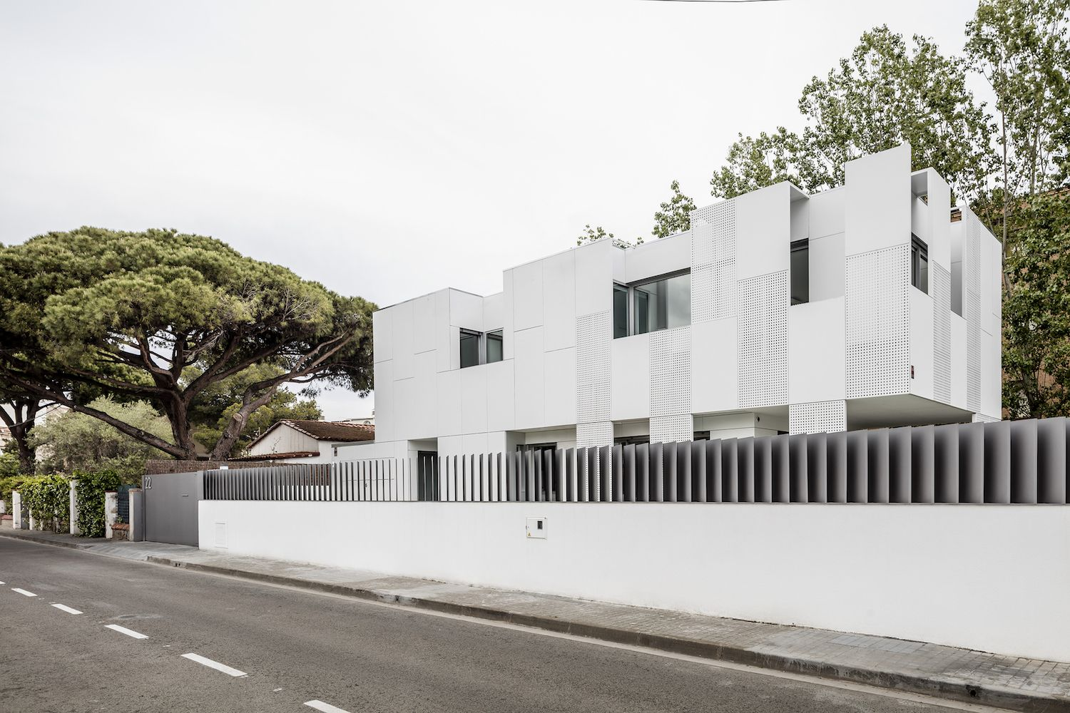 Stunning single family house by Ral architects in Spain - CAANdesign ...