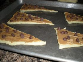 Life Should Be Delicious!: Chocolate and Peanut Butter Filled Crescent Rolls
